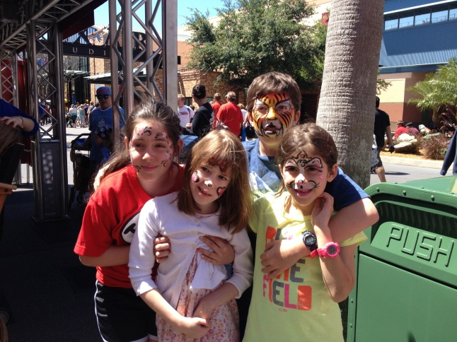 Face painting with Canon, Kate and cousin Isabella!